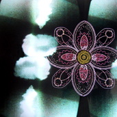 Photographies brodées de fleurs