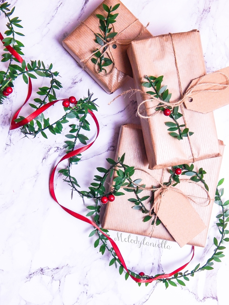 4 jak zapakować prezenty świąteczne w papier pakowy pomysły na pakowanie prezentów jak zapakować pudełko w papier pomysły na papier pakowy trzy sposoby na pakowanie prezentów poradnik tutorial jak pakować
