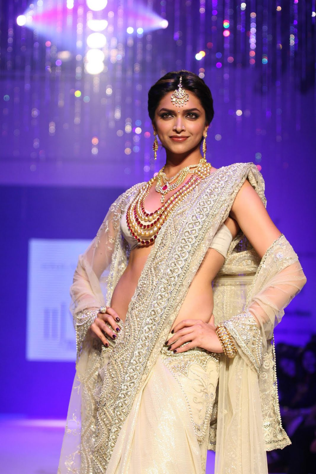 Hairstyle For You: Deepika Padukone In Wedding Dresses