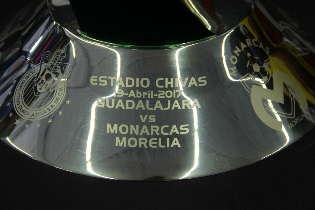Leyenda del título que disputarán las Chivas y Monarcas en la Copa MX.