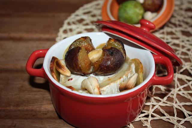 Cocotte di patate, bouche de chèvre, fichi ed anacardi