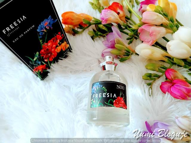 Kwiaty wiśni randki z Azjatką