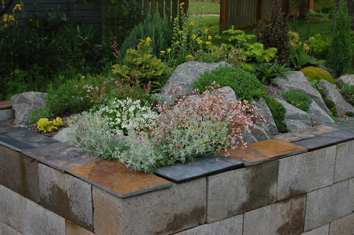 Block Garden: Dreaming Of Concrete Blocks: Raised Beds, Planters, Tables