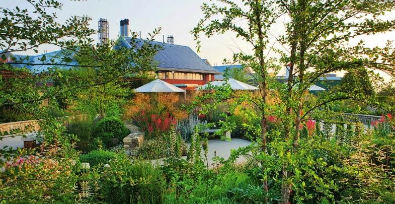 Horatio's Garden, jardín en un centro especializado en el tratamiento de lesiones de médula espinal:  Duke of Cornwall Spinal Treatment Centre, en la ciudad inglesa de Salisbury en Wiltshire.