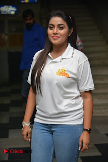 Actress Poorna Stills in Jeans with Jayammu Nischayammu Raa Team at Satyam Theatre 0002