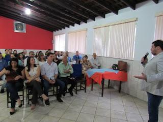 Associados Aceja participam de palestra sobre estratégias comerciais