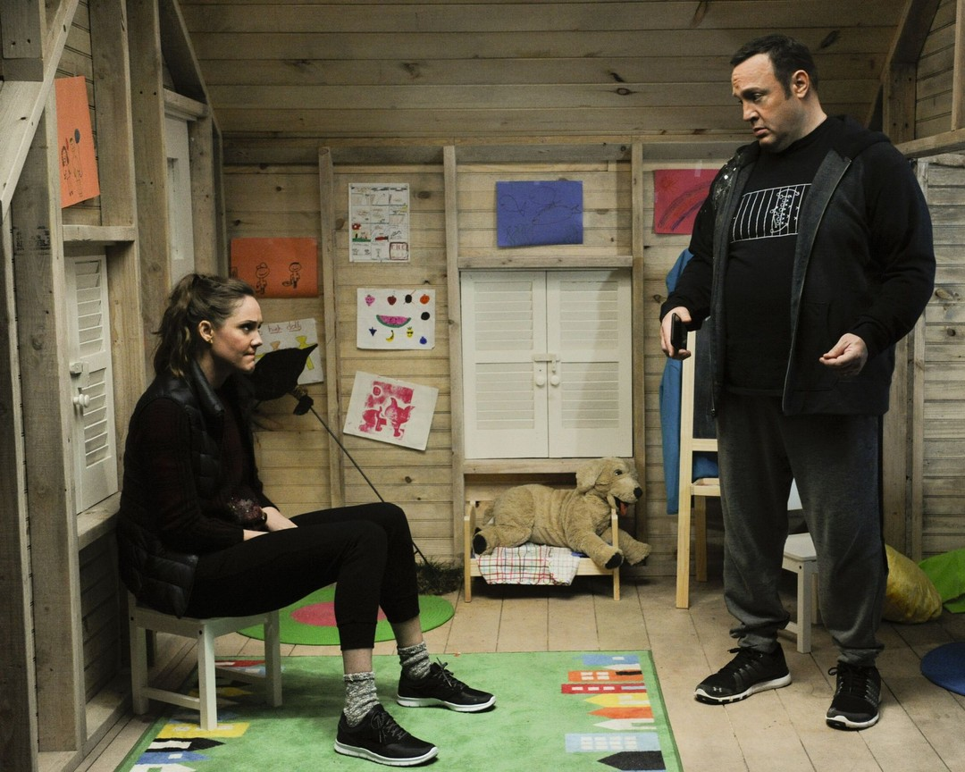 Kevin Can Wait - Season 1 Episode 07: Hallow-We-Ain't-Home
