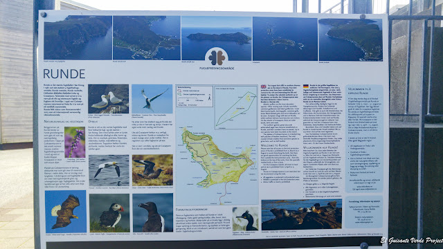 Paneles del Centro Ambiental de la Isla de Runde, Noruega por El Guisante Verde Project