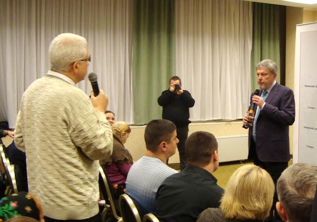 Встреча Григория Явлинского с избирателями в Самаре.