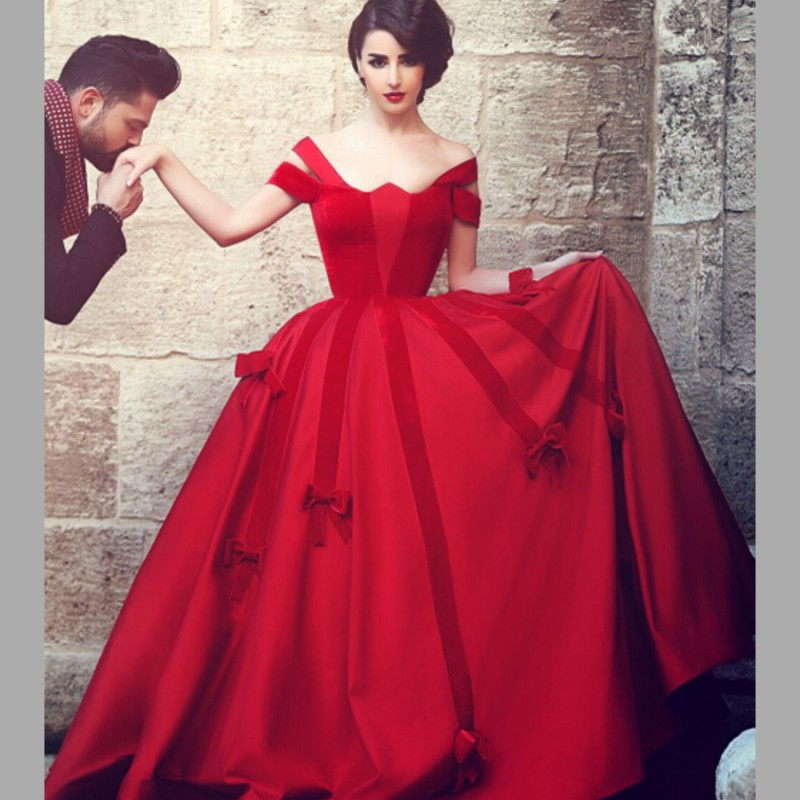 Dramatic Red of Thrilling Wedding Gowns | Wedding Trend