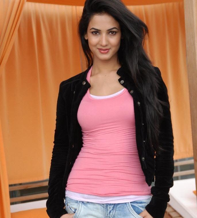 Sonal Chauhan hd wallpapers   Movies Songs Lyrics
