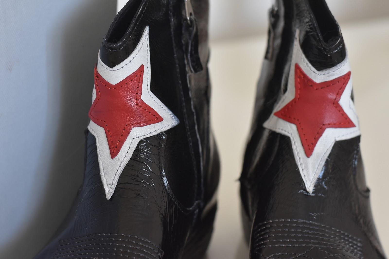 stivali con stella