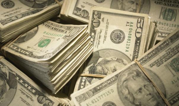 Levar dinheiro e dólar em espécie para Miami