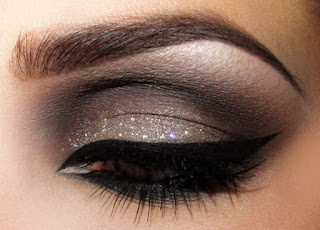 How-to-apply-natural-makeup-&-eye-makeup-ideas-for-brown-5