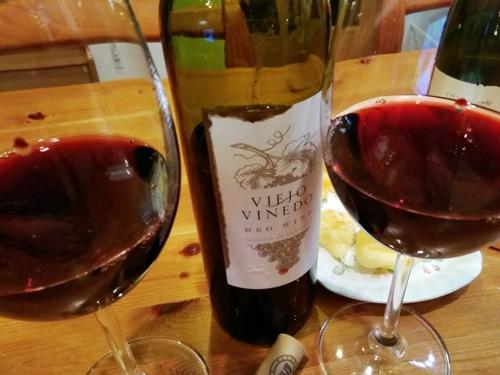 ヴィエホ ヴィニェド▼アルゼンチンの赤ワイン▼レーズンと桜餅のようなニュアンスで悪くはない【 このワインの点数:★★★ 65点 】