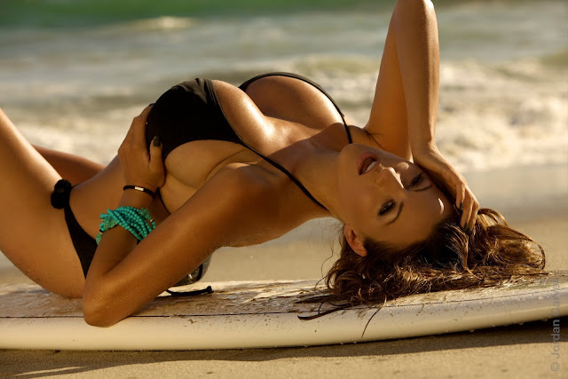 Jordan-Carver-Surf-Turf-Photoshoot-in-Black-Bikini-HD-Photo