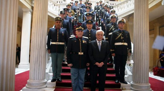 Τα κάλαντα στο Πρόεδρο της Δημοκρατίας Προκόπη Παυλόπουλο. (βίντεο)