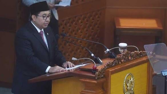 Fadli Zon Minta Jokowi Hentikan Pembagian Sembako dan Sertifikat