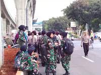Amankan Demo FPI, Tentara Berhijab Diterjunkan