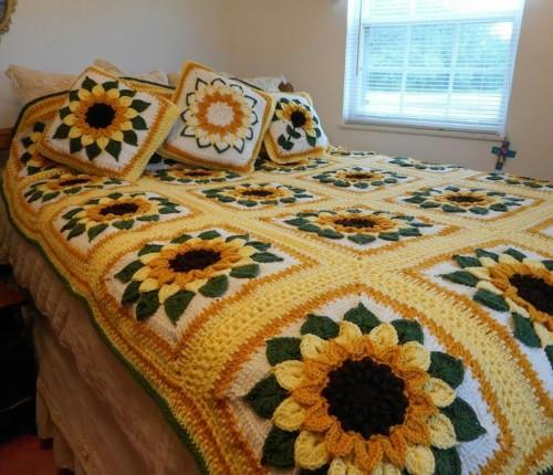 Beautiful Skills Crochet Knitting Quilting Sunflower Bedspread