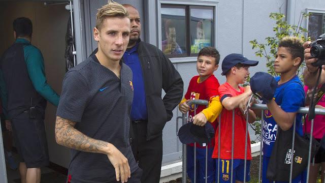 CHÍNH THỨC! Lucas Digne chia tay Barcelona