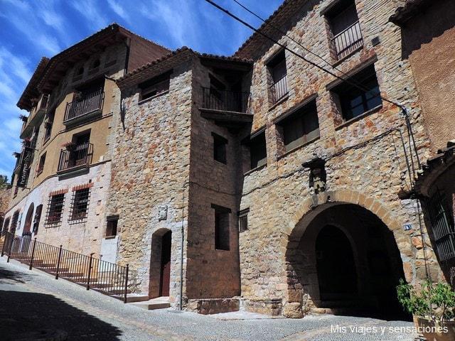 Portico gótico de Alquézar
