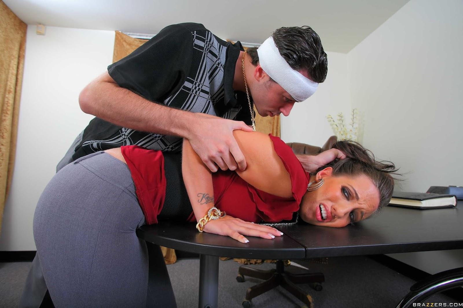 начала порно наказание аналом секретаршу была