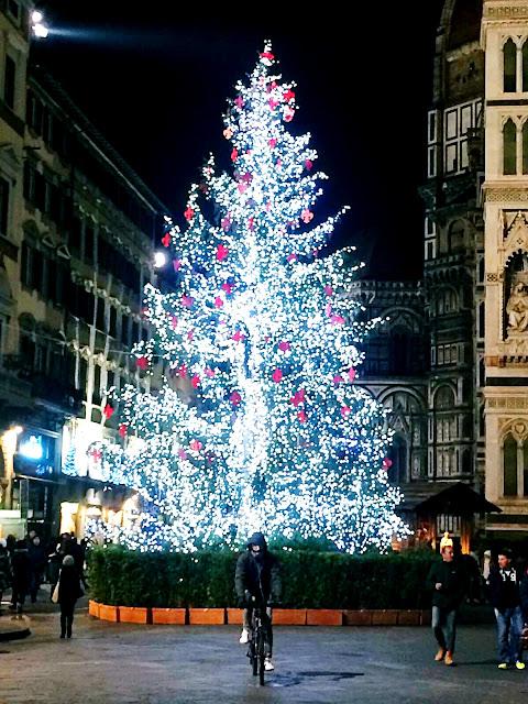 Florence-night-december