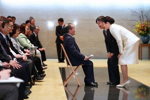 Empress Masako held a reception at the Imperial Palace for athletes who received medals at the Winter Deaflympics