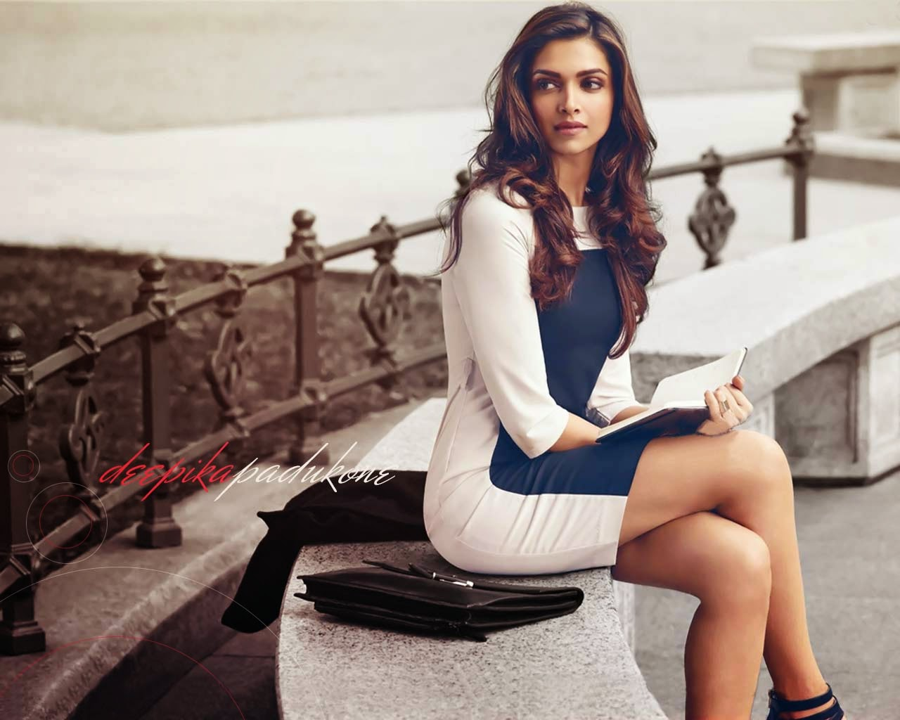 Deepika Padukone-Nice And Hot Images  Allfreshwallpaper-6197