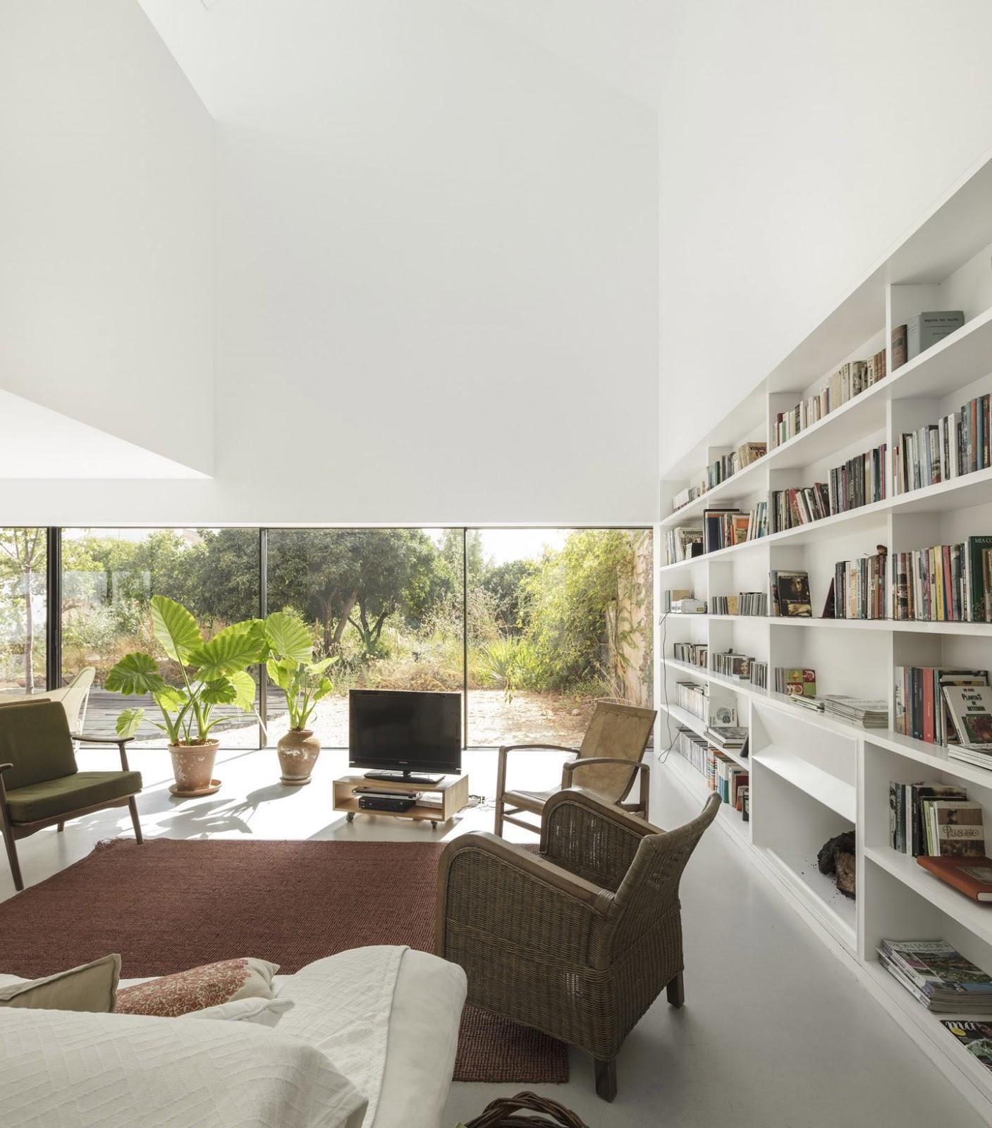Diedrica: AZEITAO HOUSE
