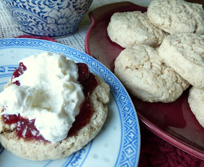 English Cream Scones with Clotted Cream