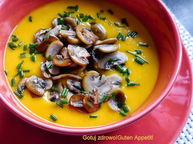 Zupa ziemniaczana z dynią i pieczarkami - wegeteriańska - Czytaj więcej »