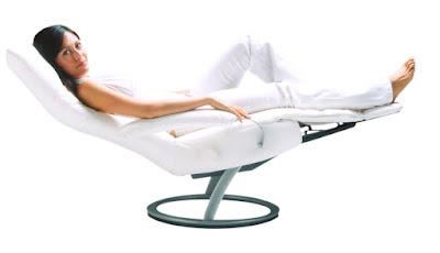 A poltrona Kiri: um dos inúmeros modelos reclináveis criados por Percival Lafer desde a virada do milênio.