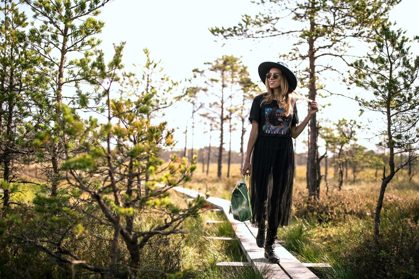 summer hike woods girl