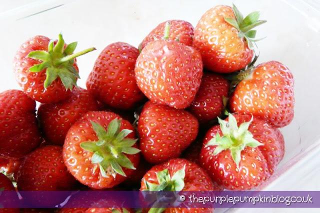 Scrummy Strawberry Ice-Cream at The Purple Pumpkin Blog