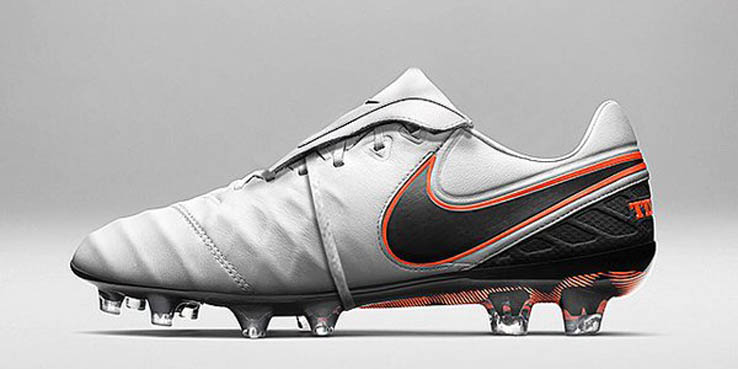 promo code 3f055 a217c Francesco Totti Receives Unreleased One-of-a-Kind Nike ...