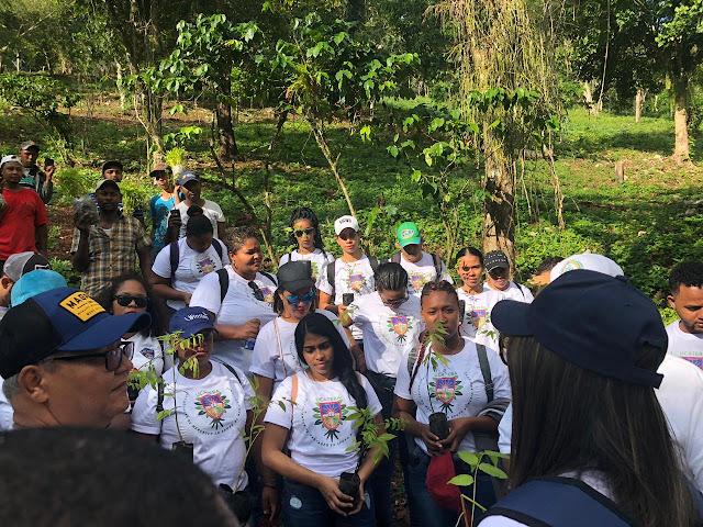 UCATEBA y Medio Ambiente realizan Jornada de Reforestación en Polo