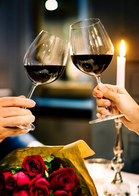 Jak wybrać wino na prezent ślubny?