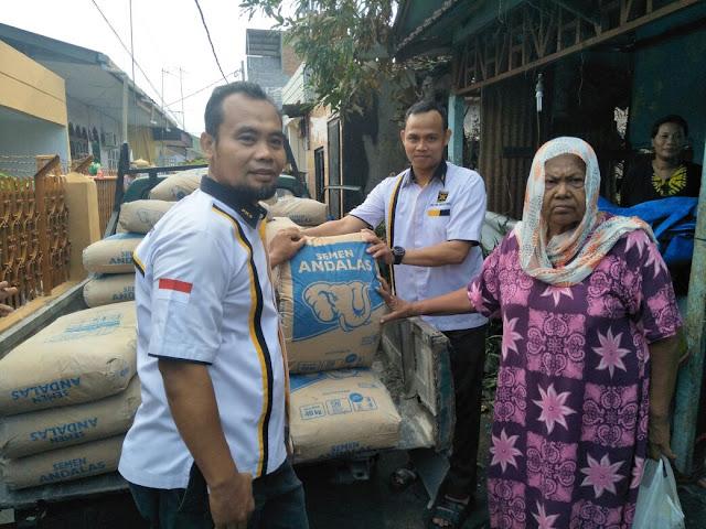 Galang Dana, DPC PKS Se Dapil 1 Bantu Korban Kebakaran Jalan Medan Area Selatan