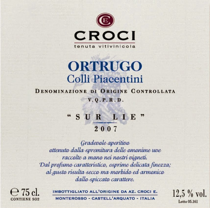 vino bianco vitigno ortrugo design brand marketing vestito label grafica bottiglia etichette
