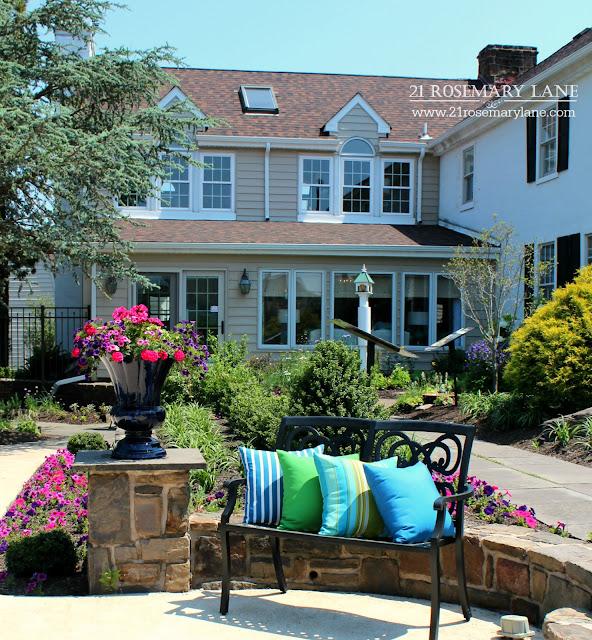 21 rosemary lane bucks county designer house foxwood manor for Foxwood house