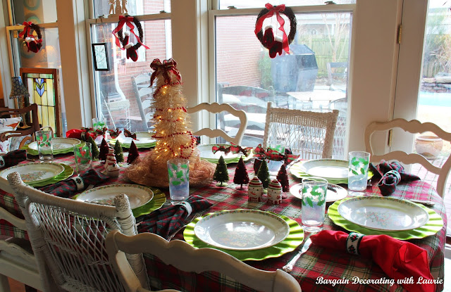 Christmas Tablescapes-Bargain Decorating with Laurie