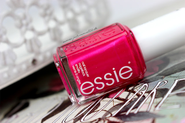 essie-resort-fling