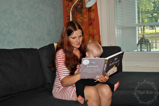 vauvalle lukeminen