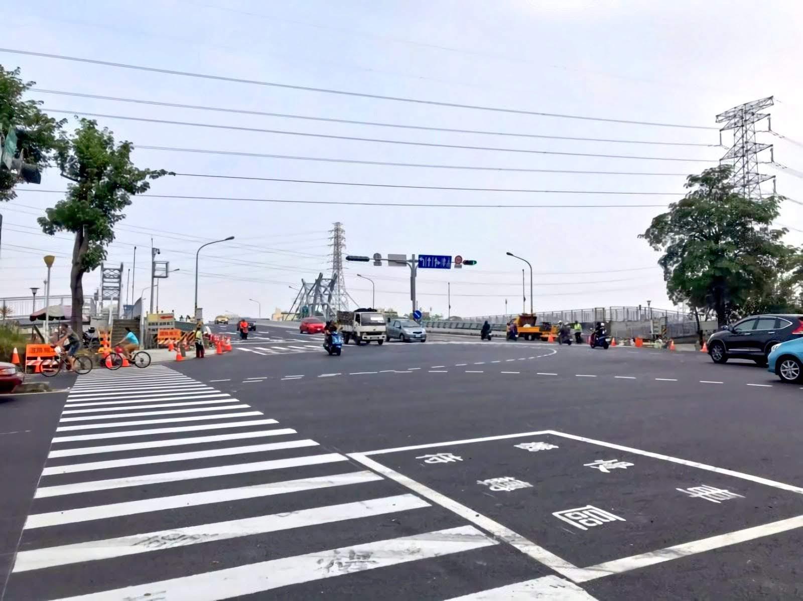 【塞車惡夢解除】等了三年終於通車|台17甲鹽水溪橋完工開放
