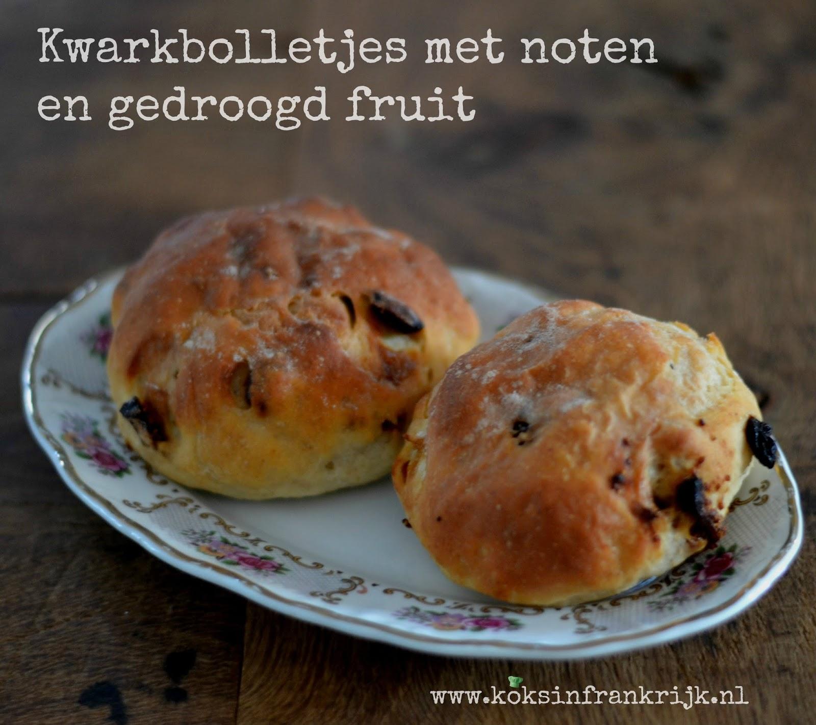 Zondag bakdag: Zoete bolletjes met kwark, noten en gedroogd fruit