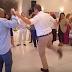 Ρεσιτάλ τσάμικου σε γάμο στην Πάτρα από τον Απόστολο Γκλέτσο (video)