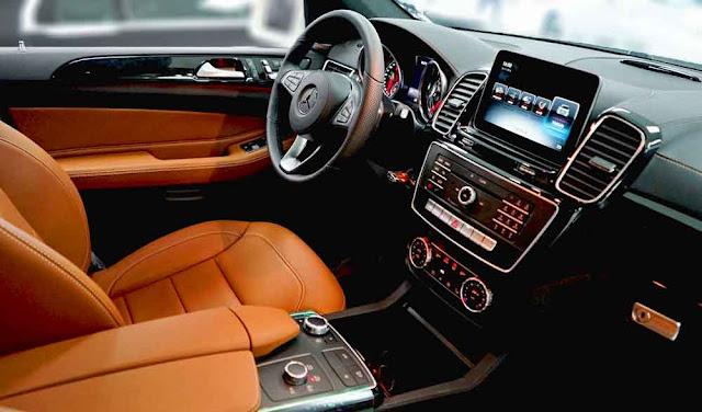 Nội thất Mercedes GLS 350d 4MATIC 2018 được thiết kế sang trọng và đẳng cấp