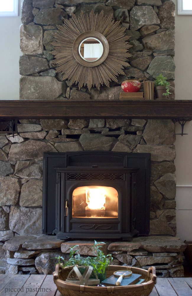 Pieced-Pastimes-Fall-Mantel-2015